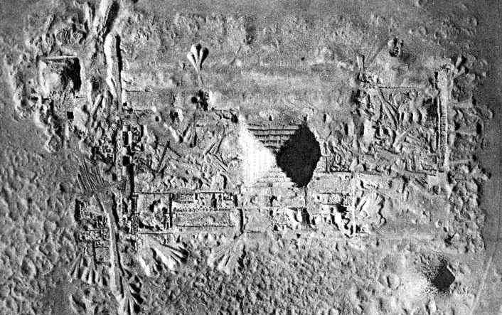 Fragment aerial view of necropolis. In the middle - pyramid complex of Djoser, in upper-left corner - pyramid of Unas, on the right-down side - complex pyramid of Teti.
